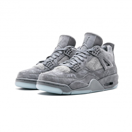 Tênis Nike Air Jordan x Kaws - Air Jordan 4 Cool Grey (USADO)