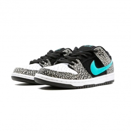 Nike SB Dunk Low x Atmos