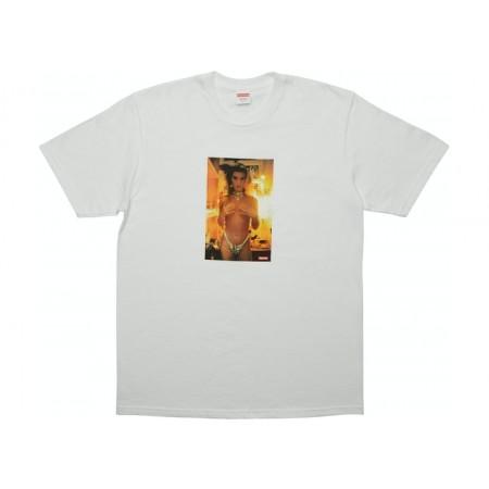 Camiseta Supreme - Nan Goldin Kim in Rhinestone Branca